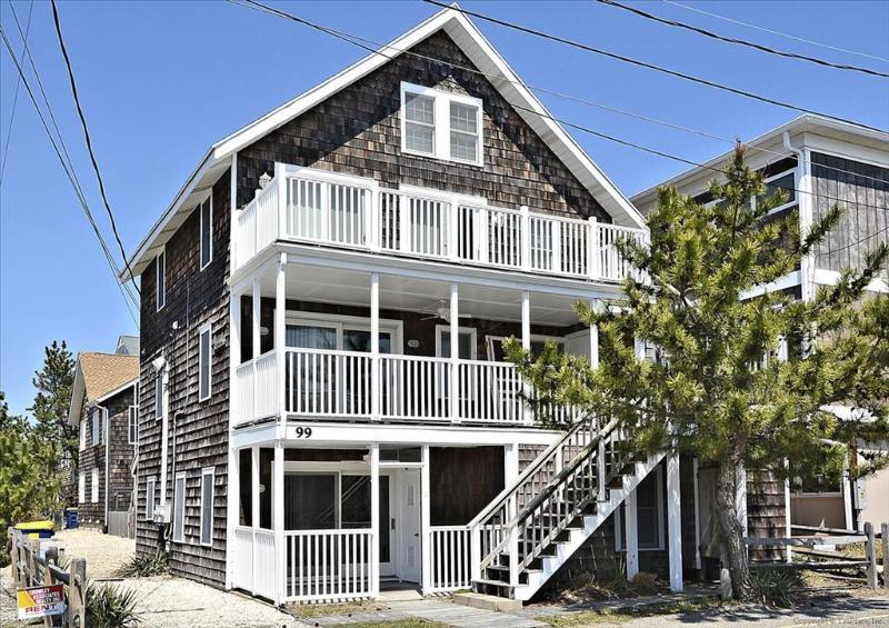 1/4 block to the beach 3 bedroom unit - Image 1 - Bethany Beach - rentals