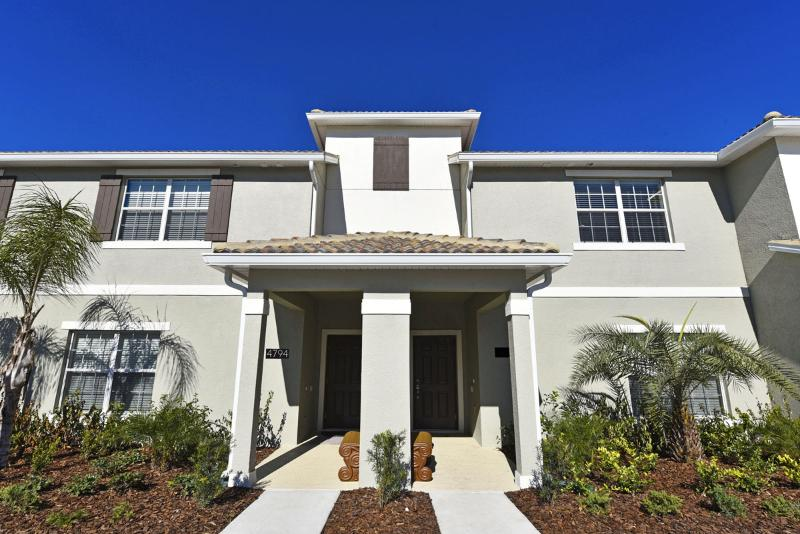 Beautiful 4 Bedroom Townome Near Disney From 100nt - Image 1 - Orlando - rentals