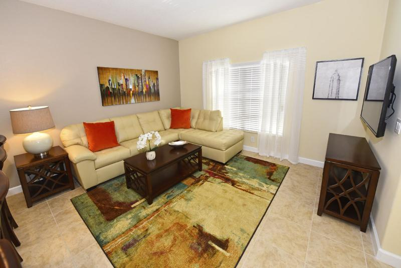 Beautiful 4 Bedroom Townhouse Near Disney From 120nt - Image 1 - Orlando - rentals