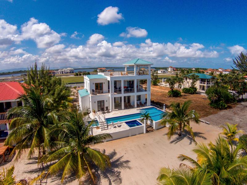 The house - A New Dawn Beach House - brand new 3 bedroom home - Placencia - rentals