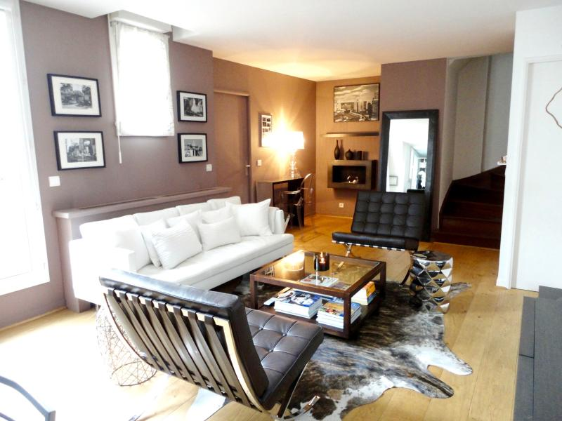 Living room - Luxurious 3 bedrooms with terraces (Near Louvre) - Paris - rentals