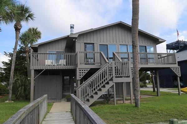 "3607 Bay Point Dr  - ""Rainsford Cottage"" - Image 1 - Edisto Beach - rentals"