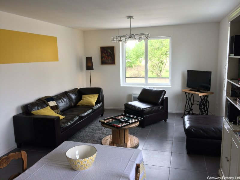 Stylish modern home near to Dinan Port (C012) - Image 1 - Lanvallay - rentals