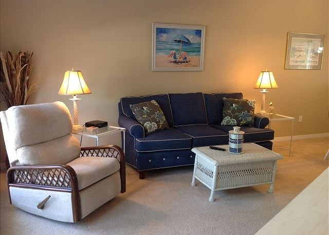 2 bedroom 2 1/2 bath town-home across from the beach! - Image 1 - Long Beach - rentals