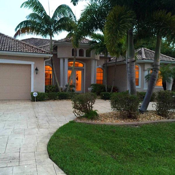 Cape Escape OASIS Villa - Luxury Estate villa - Cape Escape OASIS Luxury Gulf access Estate Villa - Cape Coral - rentals