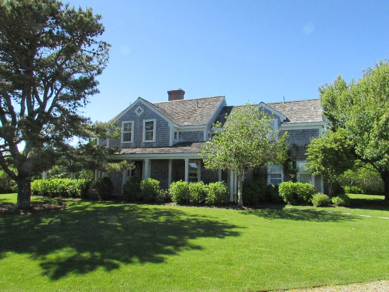 4 Bedroom 4 Bathroom Vacation Rental in Nantucket that sleeps 8 -(10331) - Image 1 - World - rentals