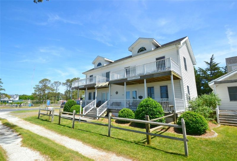 Channel Lookout - Image 1 - Chincoteague Island - rentals
