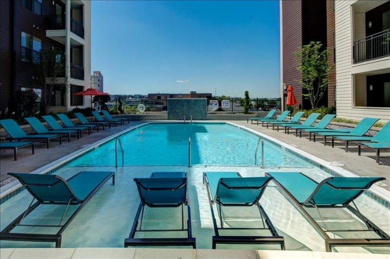 Stay Alfred Modern Midtown 2BR Blocks from Vanderbilt EM2 - Image 1 - Nashville - rentals