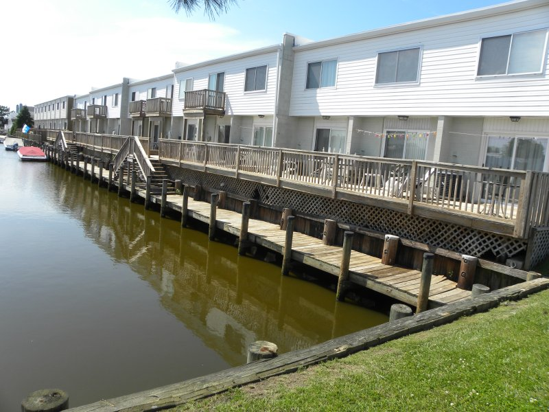 Canal Front 2 BR townhouse North Ocean City 2 Blocks to the beach - Image 1 - Ocean City - rentals