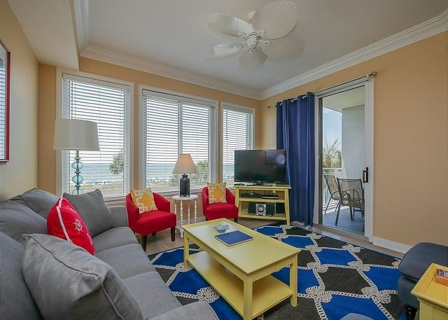 Living Area - 3204 SeaCrest - Direct Oceanfront - Book Now for August - Hilton Head - rentals