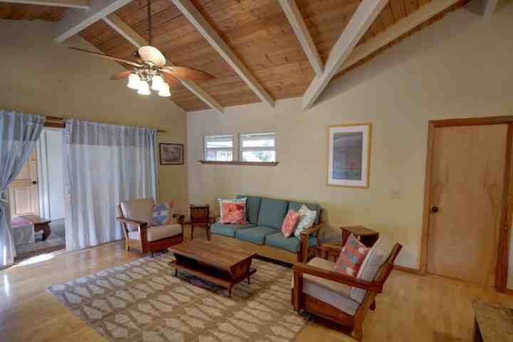 Spacious living space with hardwood floors in this Napili plantation style home. - Napili Plantation Style Home - Napili-Honokowai - rentals