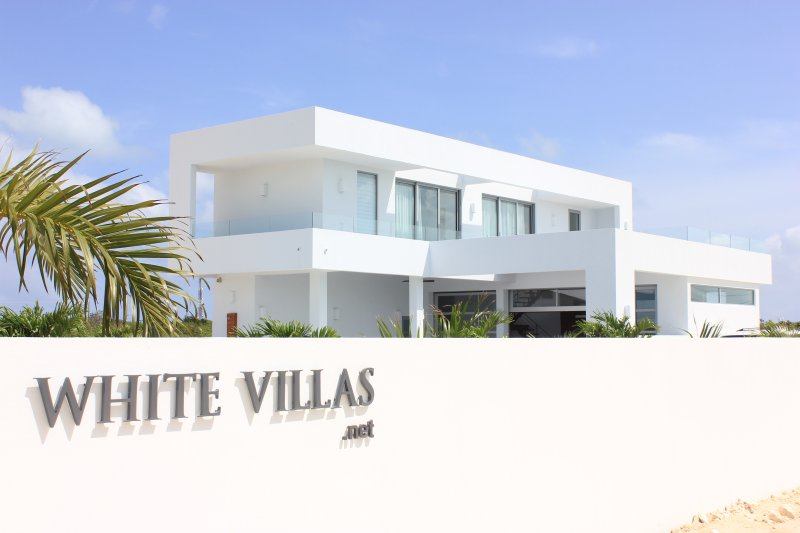 ...under the sunny sky of Turks and Caicos - New Villa - Great Ocean View - 2 min. from beach - Long Bay Beach - rentals