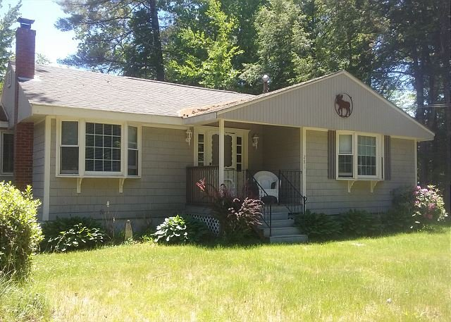 Walk to Beach - Image 1 - Moultonborough - rentals
