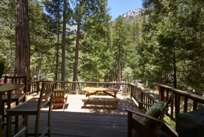 Back Deck Overlooking Strawberry Creek - Mountain view cabin in Fern Valley on the creek with amazing views - Idyllwild - rentals