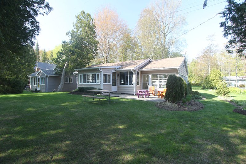 Evans cottage (#1073) - Image 1 - Point Clark - rentals