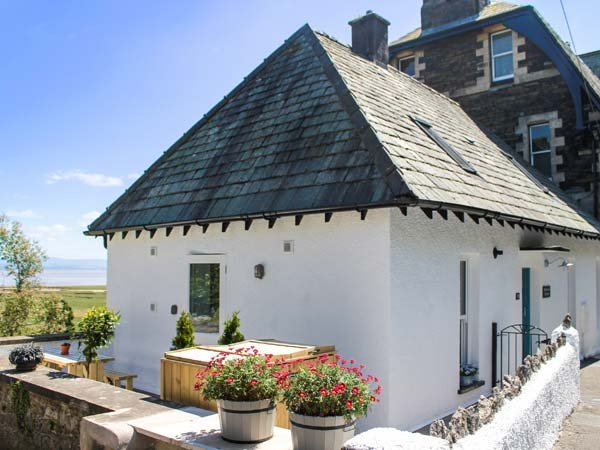 MOORHURST COTTAGE, semi-detached, gas stove, enclosed patio, in Grange-over-Sands, Ref 913753 - Image 1 - Grange-over-Sands - rentals