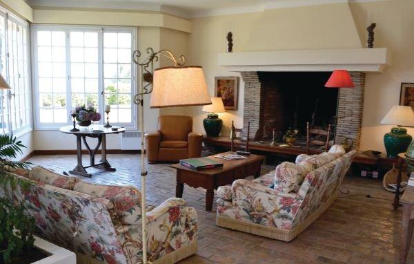 6 bedroom Villa in Cavalaire Sur Mer, Var, France : ref 2220172 - Image 1 - Le Luc - rentals