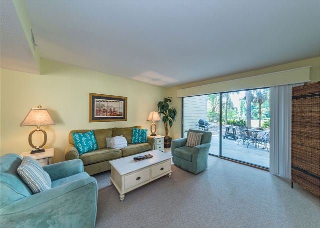 Shipmaster 306, 2 Bedrooms, Golf View, Tennis, Pool, Walk to Beach, Sleeps 6 - Image 1 - Hilton Head - rentals