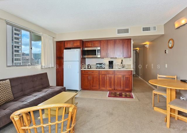 Ocean View with central A/C and just a 5 minute walk to beach!  Sleeps 4 - Image 1 - Waikiki - rentals