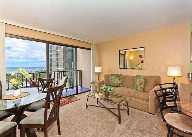 Secure one-bedroom with full kitchen, washlet,parking & ocean/sunset views! - Image 1 - Waikiki - rentals
