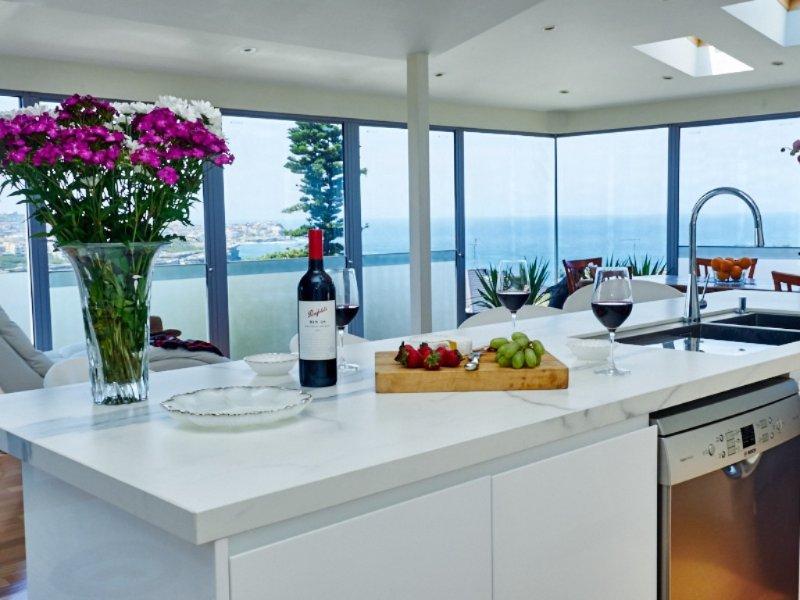 Panoramic Bronte Views - Image 1 - Bronte - rentals