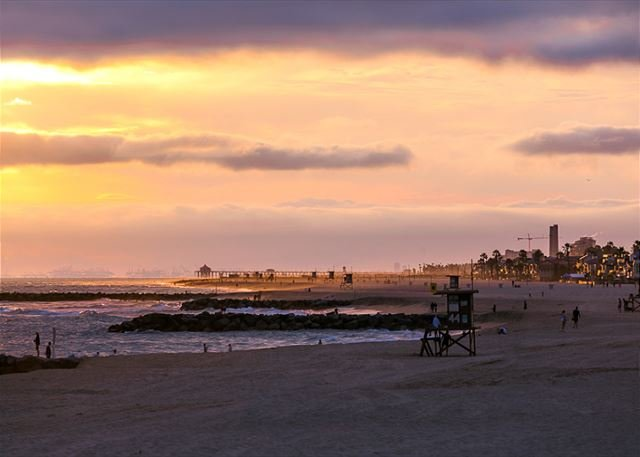 Typical sunset at the beach. - New Listing -Great Location  - Walk to The Beach, Bay and Restaurants - Newport Beach - rentals