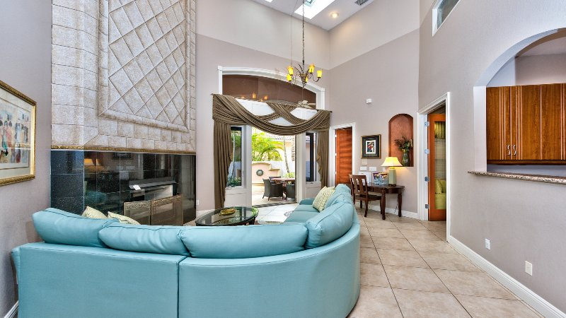 Sorrento Vacation Rental - Naples Florida Vacation Homes - Stunning, Newly Renovated, Luxury Villa, Minutes Walk to the Beach! - Sorrento Vacation Rental - Naples - rentals