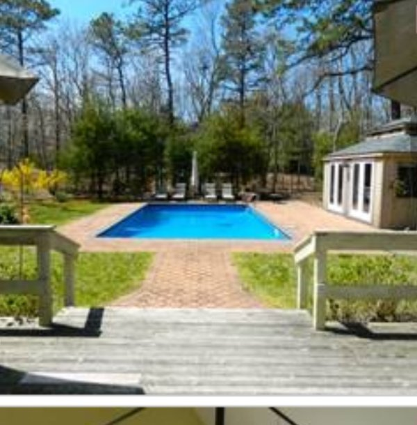 HEATED POOL WITH EAT IN POOL HOUSE WIFI,TV,MINI FRIG,PHONE,SECTIONAL - EAST HAMPTON ,2 1/2miles Town,3 miles  to Ocean - East Hampton - rentals