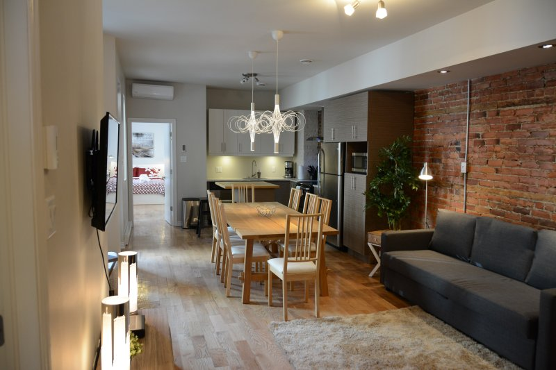 Plateau Mont-Royal / 4 bed + 4 bath + patio - Image 1 - Montreal - rentals