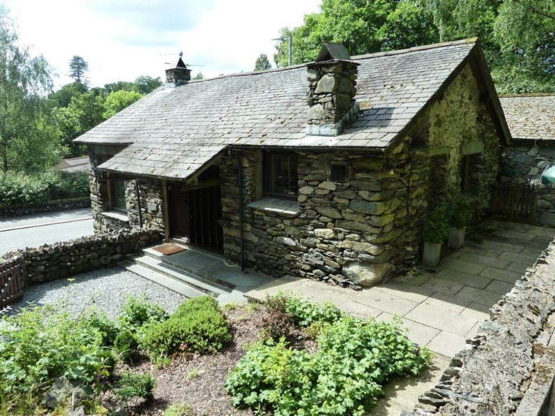 LOW BROW BARN, Ambleside - Image 1 - Ambleside - rentals