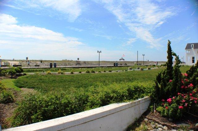 3 Blocks from the Beach & Boardwalk - Bartram 111-1 - Newly Updated! - Atlantic City - rentals