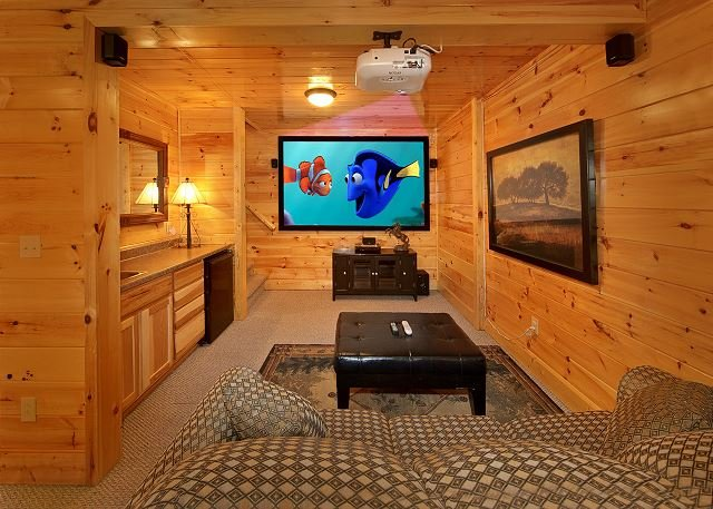 3 Bedroom, 3 Bath, Pool Table, Hot Tub and 9 Foot Theater Screen! - Image 1 - Gatlinburg - rentals
