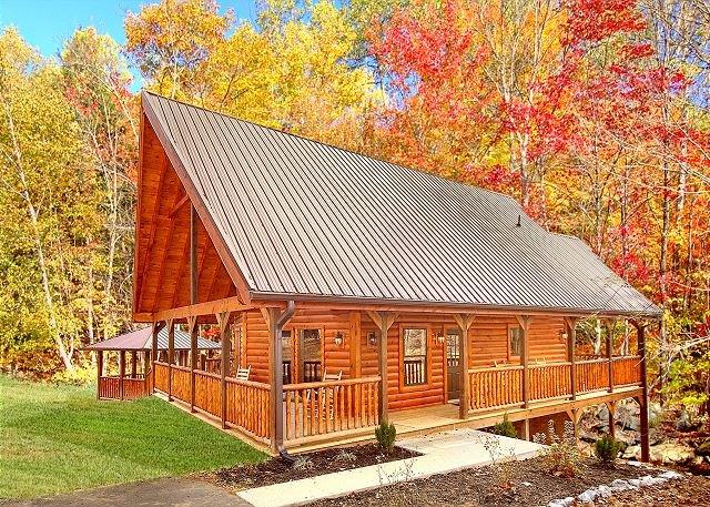 2 Bedroom Cabin with 2 master suites, Gazebo Hot Tub, Pool Table and Internet - Image 1 - Gatlinburg - rentals