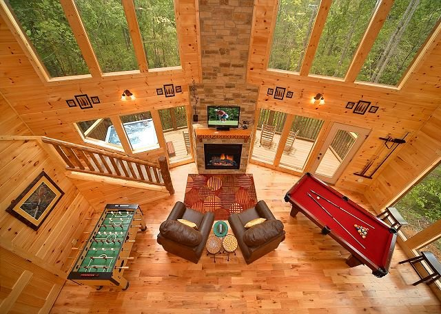 Luxury 2 Bedroom Gatlinburg Cabin with 18 foot Rain Shower! - Image 1 - Gatlinburg - rentals