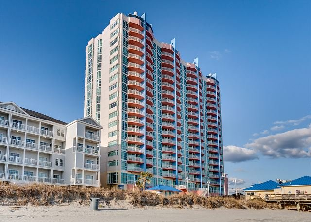 Oceanfront condo-full kitchen, garden tub, resort amenities, @ fishing pier - Image 1 - North Myrtle Beach - rentals