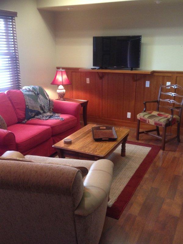 Close to Beach and State Street, 3 bed House - Image 1 - Santa Barbara - rentals