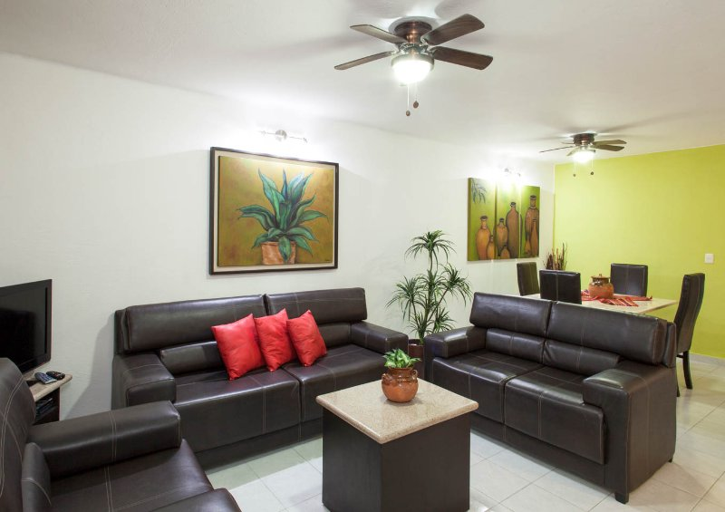 CASA AGAVE - 1 block from the beach - Image 1 - Playa del Carmen - rentals