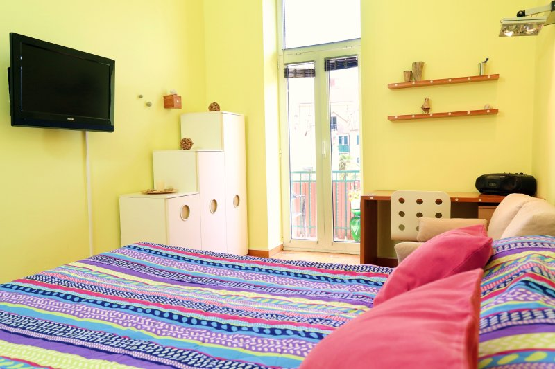 main bedroom with balcony - Charming apartment Marmont in the heart of town Sp - Split - rentals