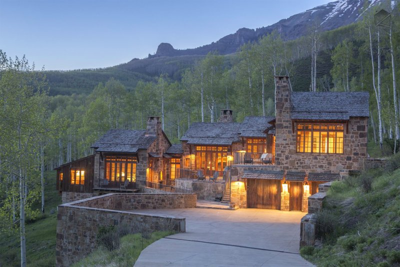 It's time to bask (or Basque) in the glow... - Amazing home with breath-taking views, private hot tub, great outdoor space in Aldasoro Ranch - Villa Mendia - Telluride - rentals