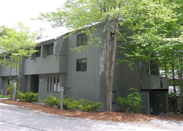 Exterior - V012W- Managed by Loon Reservation Service - NH M&R:056365/Business ID:659647 - Lincoln - rentals