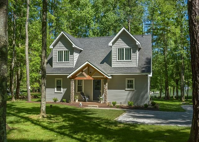 Exterior - Captivating 2 Bedroom cottage offers amazing lakefront with a private dock! - Swanton - rentals