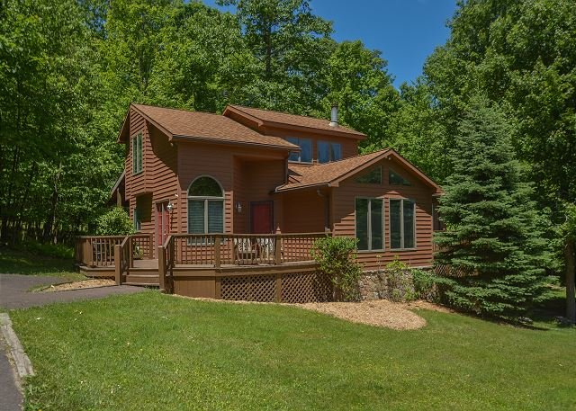 Exterior - Beautiful & Bright 4 Bedroom Mountain Home in Tranquil Wooded Setting! - Oakland - rentals