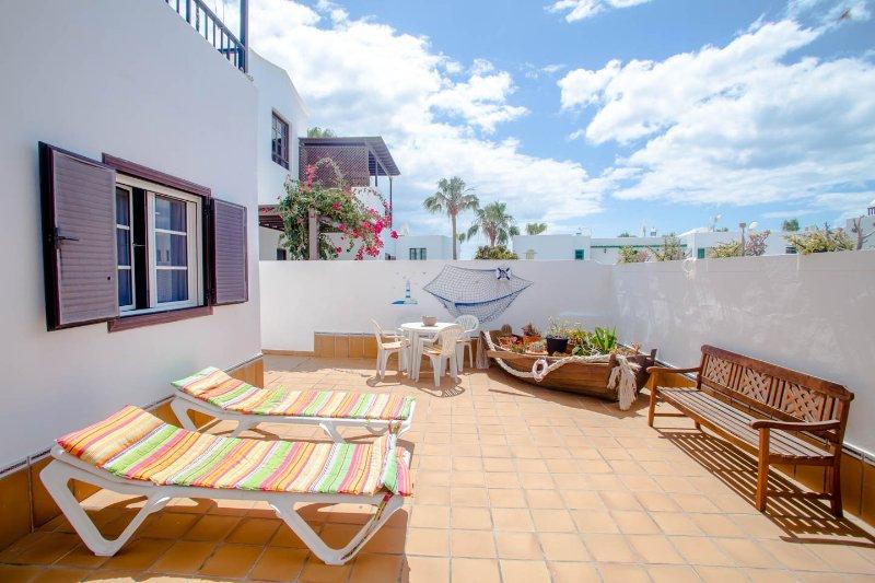Cosy Beach flat in Lanzarote - Image 1 - Puerto Del Carmen - rentals