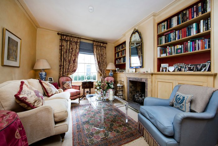Quintessentially English two bedroom house just moments from Kings Road with beautiful furnishings and secluded garden. - Image 1 - London - rentals