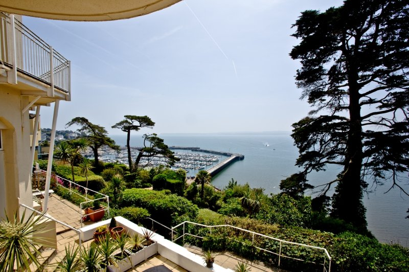 Dartmouth, Bay Fort Mansions located in Torquay, Devon - Image 1 - Torquay - rentals