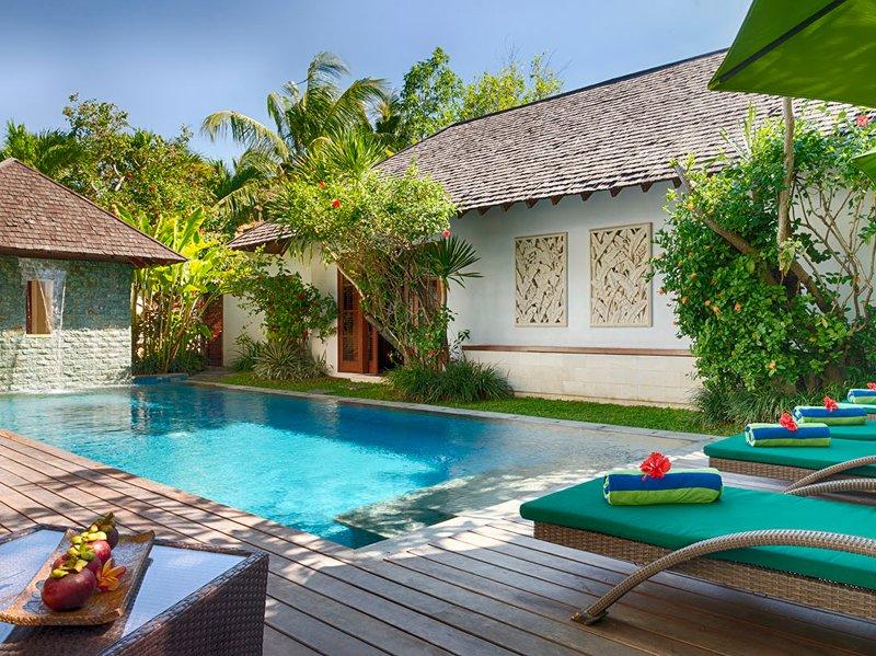 Shinta Dewi - Relax poolside - Villa Shinta Dewi - an elite haven - Seminyak - rentals