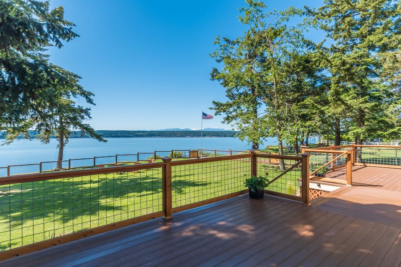 Penn Cove from the deck. - Charming two bedroom seaside cottage on Penn Cove - Oak Harbor - rentals