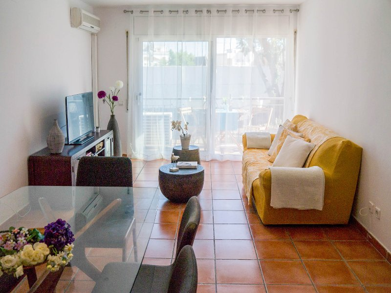 FLOWERS comfortable and practical apt in Sitges - Image 1 - Sitges - rentals