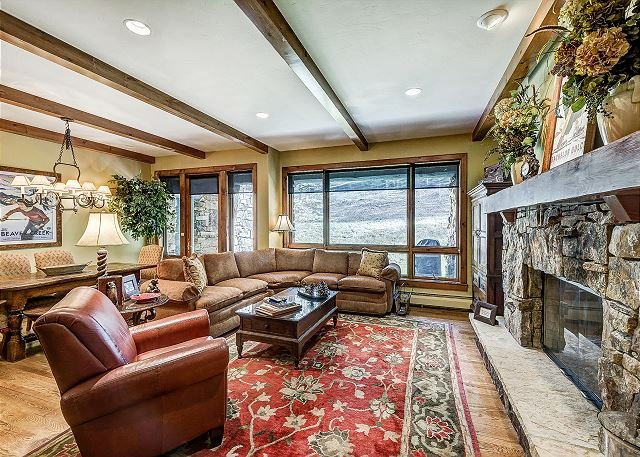 Living Room - Fabulous 3BR Platinum Rated Ski-In/Ski-Out Bear Paw Condo In Bachelor Gulch - Avon - rentals