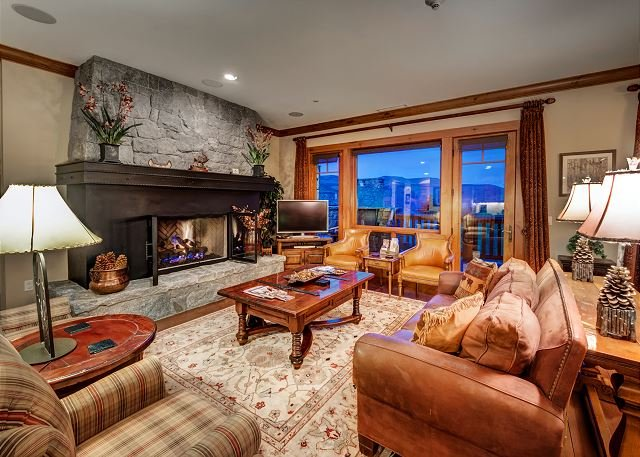 Living Room - Incredible 4BR Platinum Rated Ski In/Ski Out Hummingbird Lodge Residence - Avon - rentals